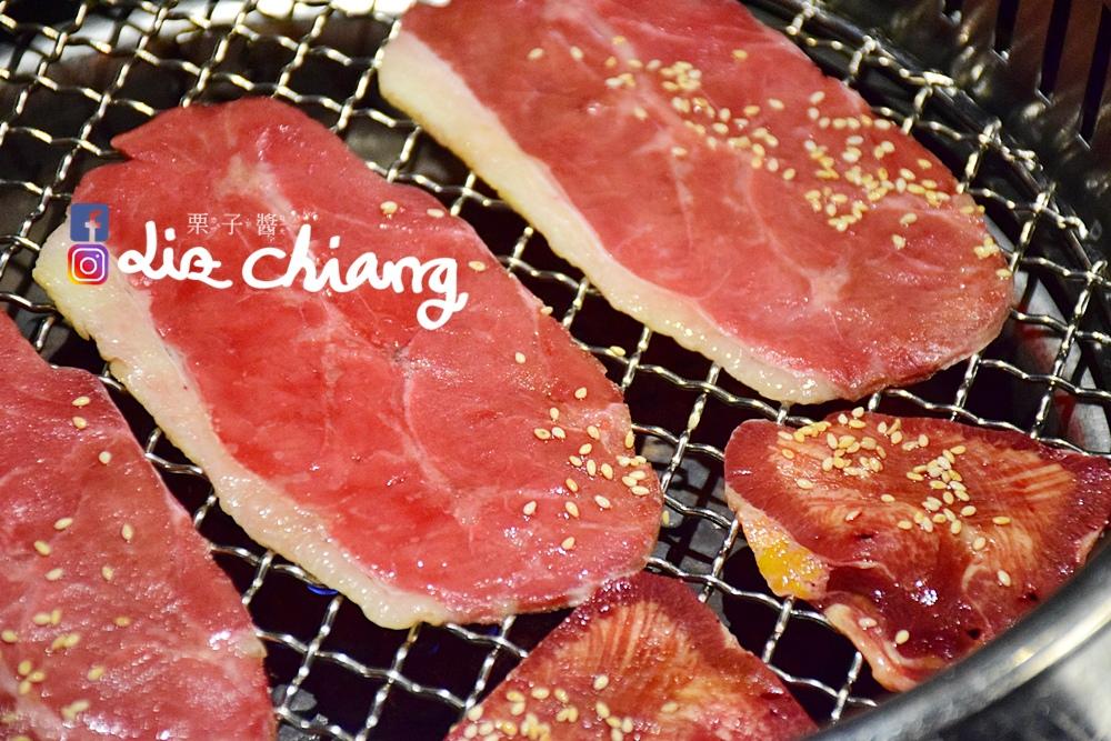 野安燒肉、燒烤-野安燒烤鍋物,中科燒烤吃到飽DSC_0185Liz開懷大笑看世界.JPG